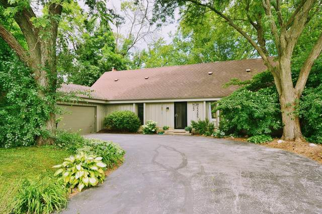 N22W22285 Meadowood Ct, Pewaukee, WI 53186 (#1700277) :: OneTrust Real Estate