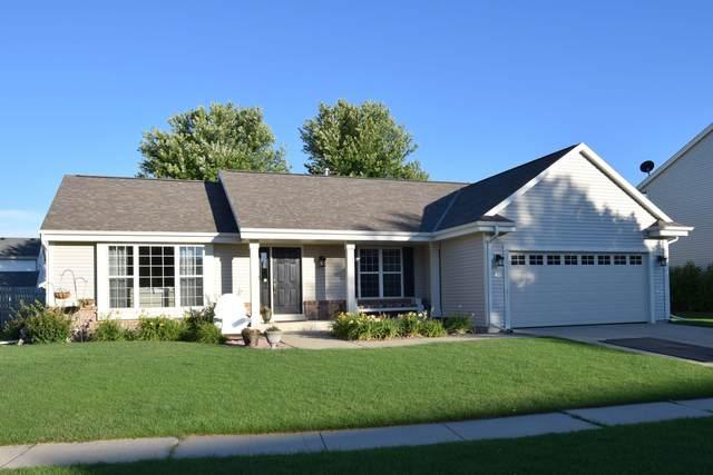 851 Chelsea Dr, Elkhorn, WI 53121 (#1700432) :: OneTrust Real Estate