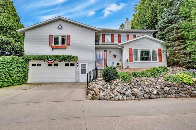14523 South Shore Dr, Valders, WI 54245 (#1700802) :: RE/MAX Service First Service First Pros