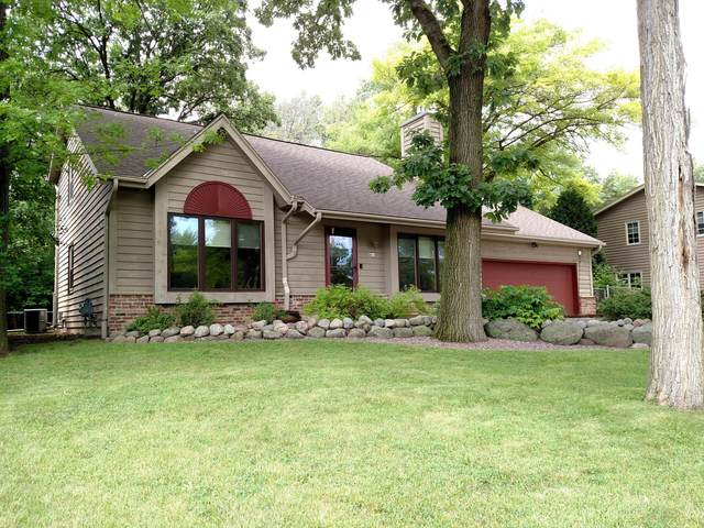 9015 S 84th St, Franklin, WI 53132 (#1700817) :: OneTrust Real Estate
