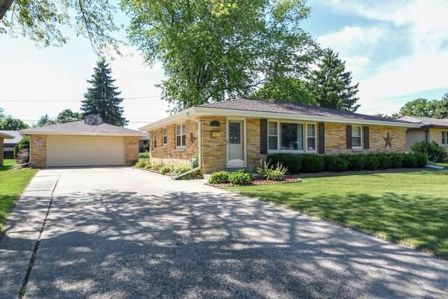 317 S Elmwood Ave, Burlington, WI 53105 (#1700867) :: OneTrust Real Estate