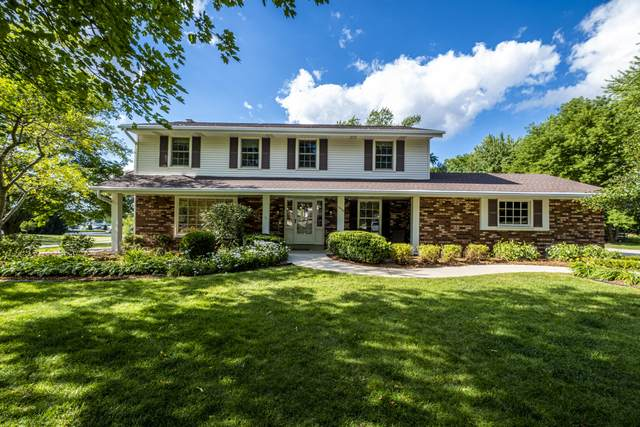 18720 Abbey Ln, Brookfield, WI 53045 (#1700916) :: OneTrust Real Estate