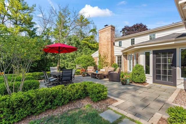 11327 N Lakeview Pl, Mequon, WI 53092 (#1701034) :: OneTrust Real Estate