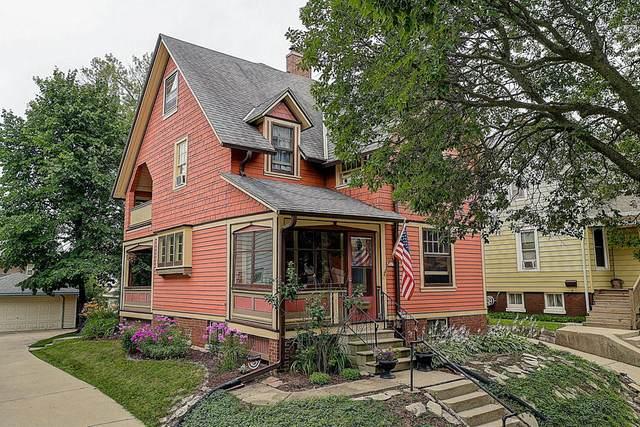 1817 E Newton Ave, Shorewood, WI 53211 (#1701158) :: Tom Didier Real Estate Team