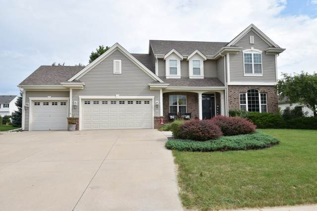 618 Stoecker Farm Ave, Mukwonago, WI 53149 (#1701198) :: OneTrust Real Estate