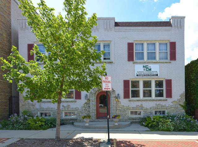 1425 E Capitol Dr, Shorewood, WI 53211 (#1701246) :: Tom Didier Real Estate Team