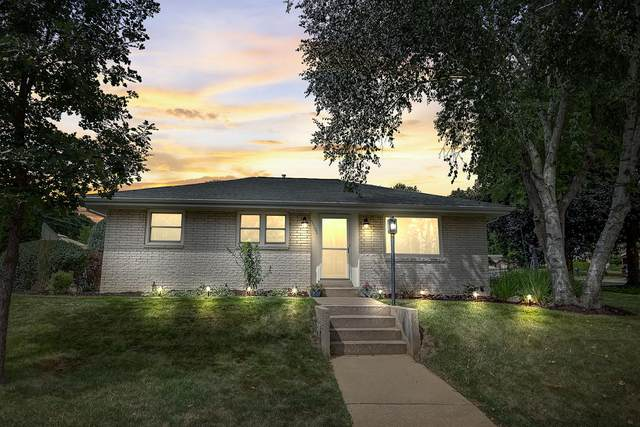 11606 W Gilbert Ave, Wauwatosa, WI 53226 (#1701384) :: RE/MAX Service First Service First Pros
