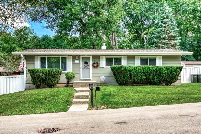 773 Aweogon Rd, Fontana, WI 53125 (#1701410) :: OneTrust Real Estate