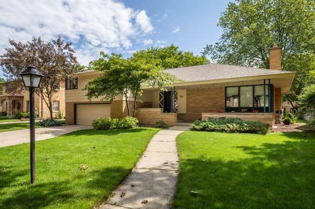 4648 N Ardmore Ave, Whitefish Bay, WI 53211 (#1701640) :: Tom Didier Real Estate Team