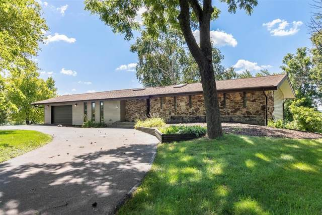 N62W15679 Sky Line Dr, Menomonee Falls, WI 53051 (#1701850) :: OneTrust Real Estate