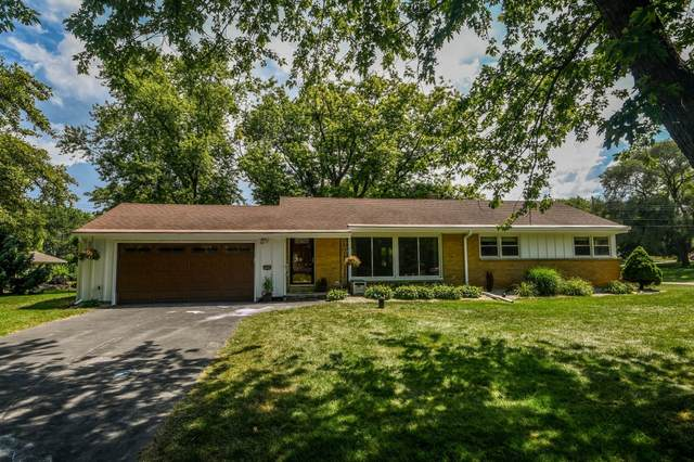 2520 Memorial Dr, Brookfield, WI 53045 (#1701901) :: OneTrust Real Estate