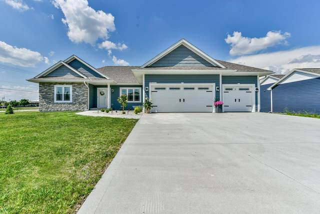 S88W18272 Edgewater Heights Way, Muskego, WI 53150 (#1702099) :: RE/MAX Service First Service First Pros