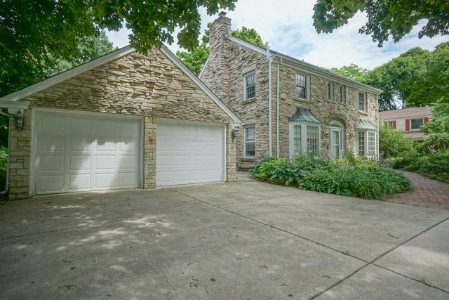 618 W Acacia Rd, Glendale, WI 53217 (#1702155) :: RE/MAX Service First Service First Pros