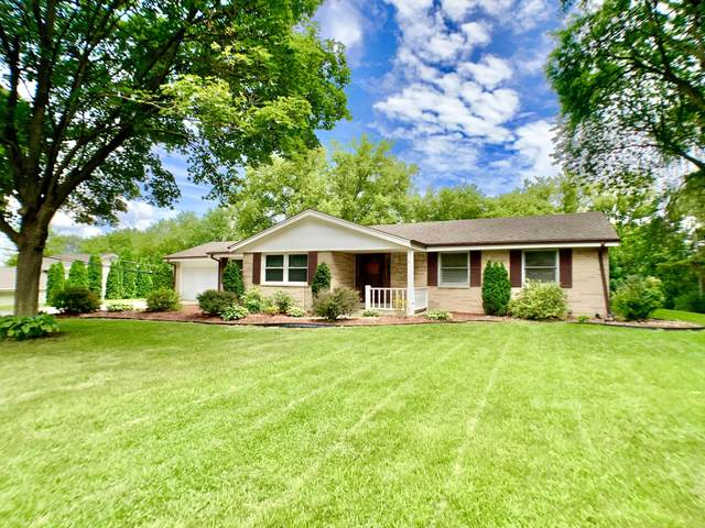 430 Wilson Dr, Brookfield, WI 53005 (#1702224) :: Keller Williams Realty - Milwaukee Southwest