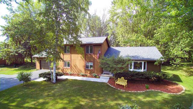 5014 W Kathleen Ln, Mequon, WI 53092 (#1702258) :: OneTrust Real Estate