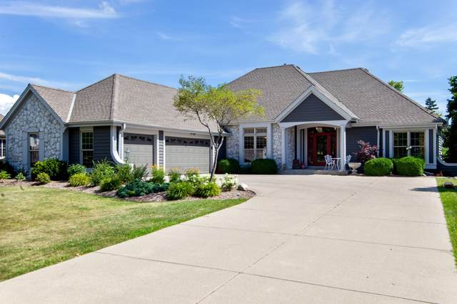 10518 N Burning Bush, Mequon, WI 53092 (#1702316) :: OneTrust Real Estate