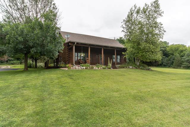 W398 Potter Rd, Spring Prairie, WI 53105 (#1702346) :: OneTrust Real Estate