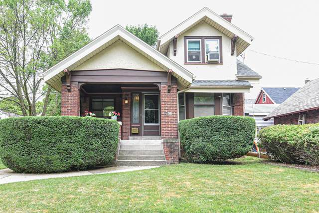 623 N 51st St A, Milwaukee, WI 53208 (#1702351) :: Tom Didier Real Estate Team