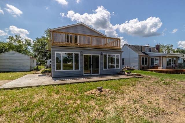 4710 N River Bay Rd, Waterford, WI 53185 (#1702357) :: OneTrust Real Estate