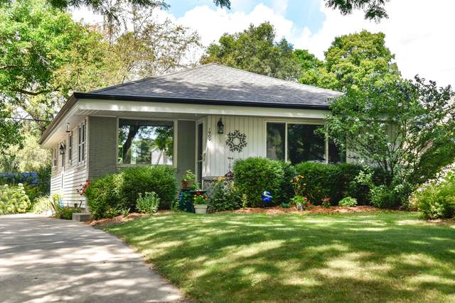 1909 N 118th St, Wauwatosa, WI 53226 (#1702383) :: OneTrust Real Estate