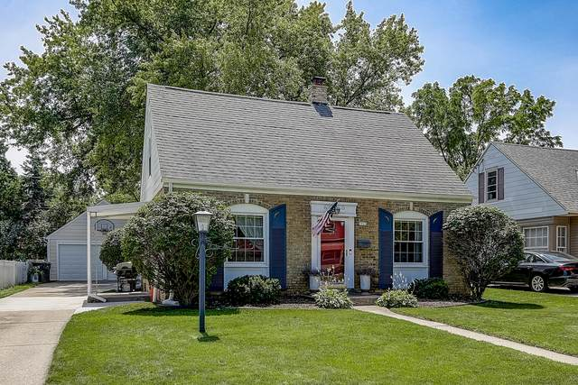 7923 Eagle St, Wauwatosa, WI 53213 (#1702564) :: RE/MAX Service First Service First Pros