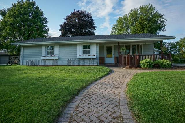 1138 Wisconsin Ave, Oostburg, WI 53070 (#1702573) :: RE/MAX Service First Service First Pros