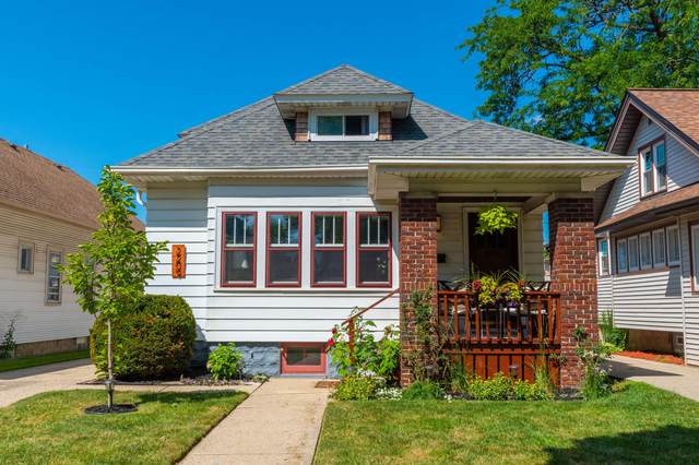 2209 N 62nd St, Wauwatosa, WI 53213 (#1702614) :: RE/MAX Service First Service First Pros