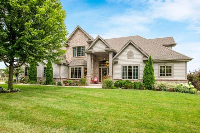 10502 N Stone Creek Dr, Mequon, WI 53092 (#1702636) :: Tom Didier Real Estate Team