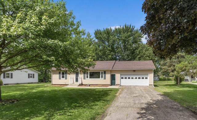 130 Fairview Dr, Walworth, WI 53184 (#1702661) :: RE/MAX Service First