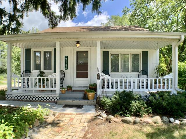 259 W Main St, Wales, WI 53183 (#1702713) :: RE/MAX Service First Service First Pros