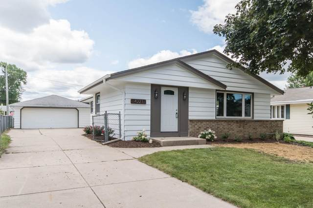 4221 S 89th St, Greenfield, WI 53228 (#1702760) :: Tom Didier Real Estate Team