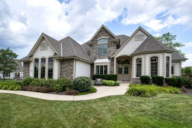 8970 S Bluestem Ct, Franklin, WI 53132 (#1702774) :: RE/MAX Service First Service First Pros