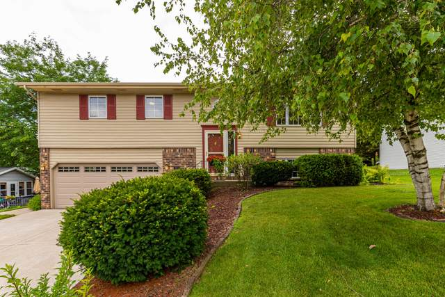 3211 Squire Ln, West Bend, WI 53090 (#1702800) :: RE/MAX Service First Service First Pros
