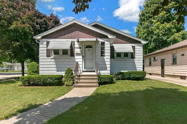 2422 26th St, Kenosha, WI 53140 (#1702845) :: Keller Williams Realty - Milwaukee Southwest