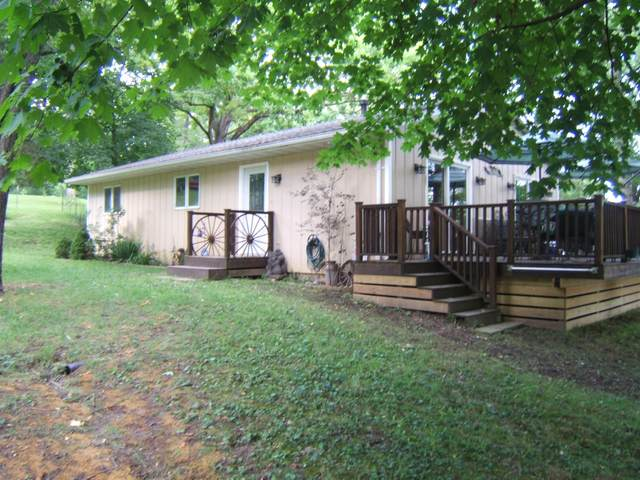 8030 Gateway Dr, Burlington, WI 53105 (#1702847) :: OneTrust Real Estate