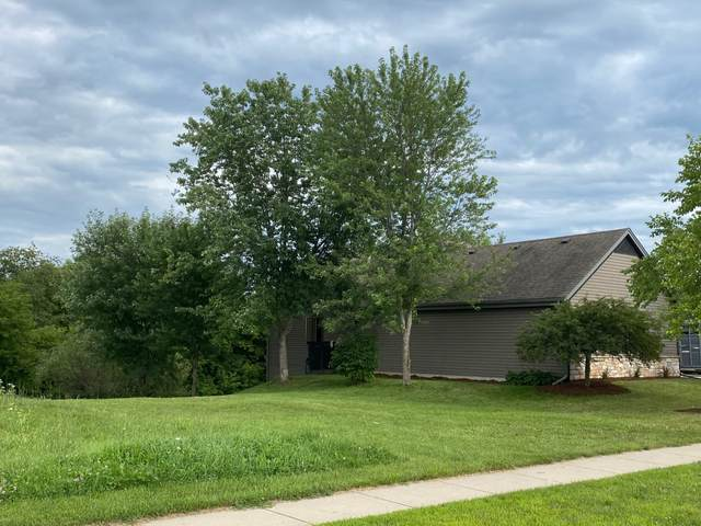 703 Bass Dr, Waterford, WI 53185 (#1702952) :: OneTrust Real Estate