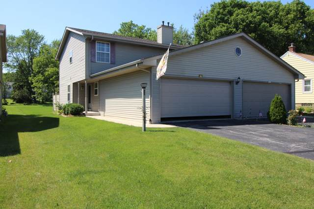 3983 S 40th, Greenfield, WI 53221 (#1702975) :: Keller Williams Realty - Milwaukee Southwest