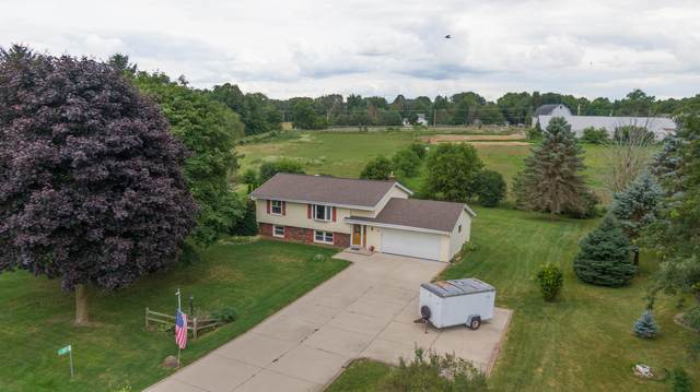 S74W24575 Windsor Ct, Vernon, WI 53189 (#1702976) :: OneTrust Real Estate