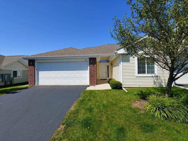 860 Ashley Ave, Port Washington, WI 53074 (#1702987) :: Tom Didier Real Estate Team