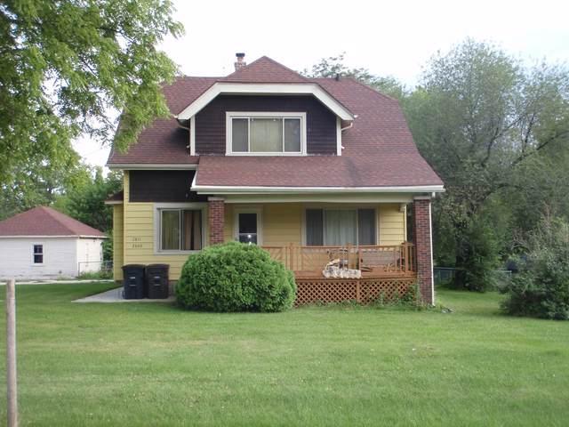 2809-2811 W Edgerton Ave, Greenfield, WI 53221 (#1702999) :: Keller Williams Realty - Milwaukee Southwest
