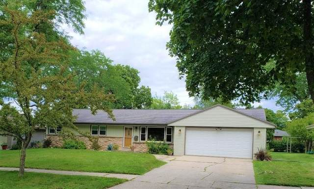 537 S 17th Ave, West Bend, WI 53095 (#1703011) :: OneTrust Real Estate