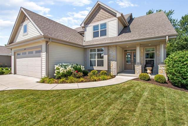 6808 Magnolia Ct, Greendale, WI 53129 (#1703090) :: RE/MAX Service First Service First Pros