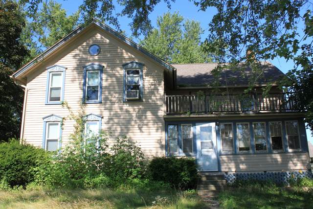 809 Granville Rd, Cedarburg, WI 53012 (#1703140) :: Tom Didier Real Estate Team