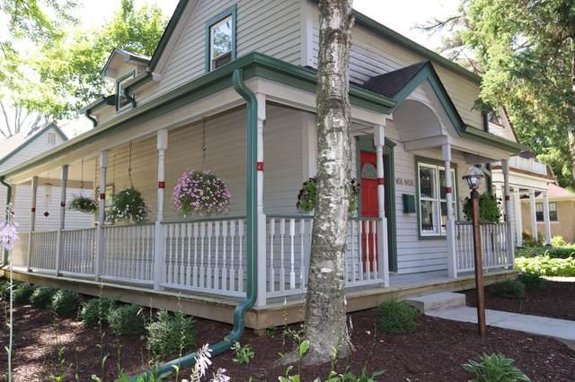 W58N438 Hilbert Ave, Cedarburg, WI 53012 (#1703186) :: Tom Didier Real Estate Team
