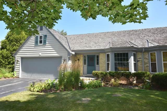 10340 N Westport Cir, Mequon, WI 53092 (#1703221) :: OneTrust Real Estate