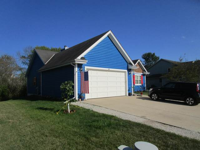 209 Shore Cir, Oconomowoc, WI 53066 (#1703276) :: RE/MAX Service First Service First Pros