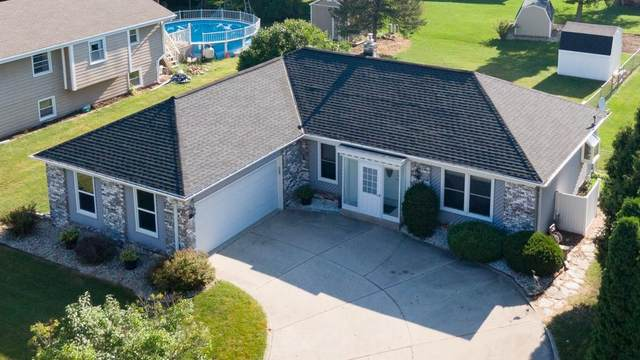 1218 Western Trl, Mukwonago, WI 53149 (#1703319) :: OneTrust Real Estate