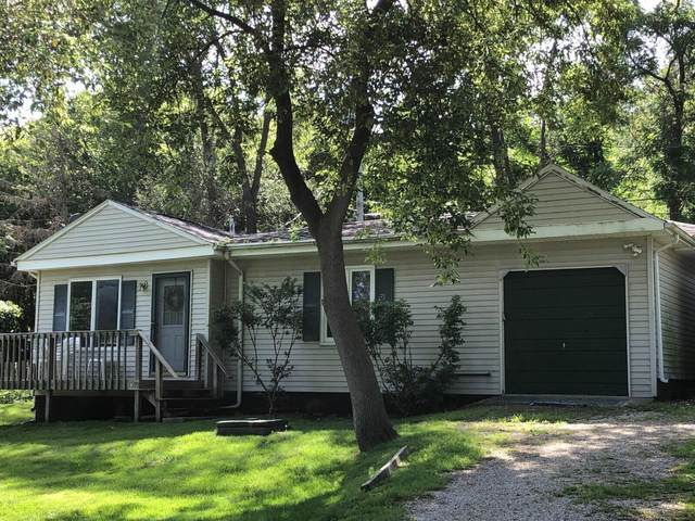 128 Sunnyside Ct, Delavan, WI 53191 (#1703336) :: RE/MAX Service First Service First Pros