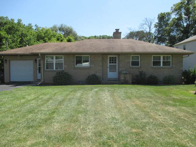 13125 W Cleveland Ave, New Berlin, WI 53151 (#1703378) :: RE/MAX Service First Service First Pros