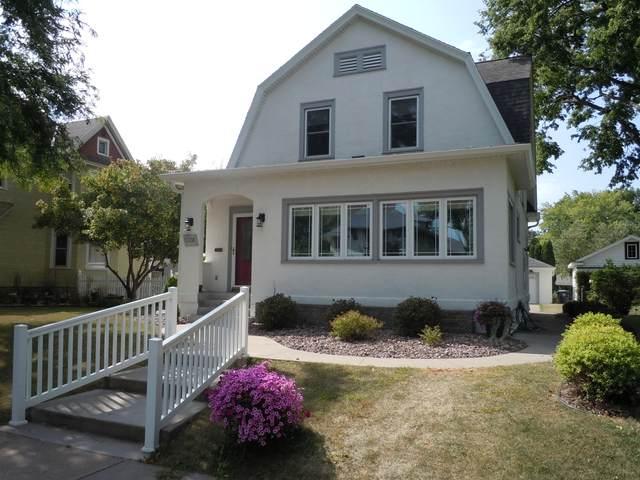 1720 Cass St, La Crosse, WI 54601 (#1703399) :: OneTrust Real Estate